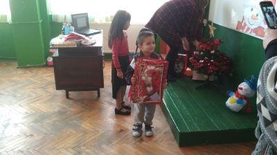 КОЛЕДНО ТЪРЖЕСТВО В ПОДГОТВИТЕЛНАТА ГРУПА - ОУ Св. Климент Охридски - Дупница